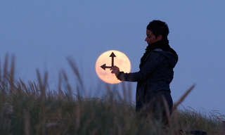 To capture a moon - Beautiful!