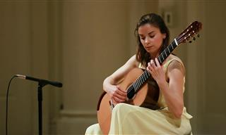 Classical Guitarist Ana Vidović Plays Piazzolla - Sublime!