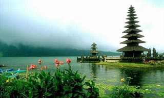 The Gorgeous Temples of Bali!