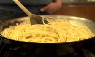 How to Quickly Cook Pasta in a Pan
