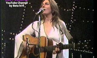 Watch This Melodious Judy Collins Performance from 1976