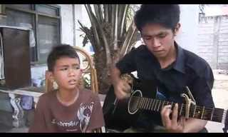 !A Little Boy With an Angelic Voice - Touching
