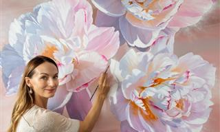 14 Massive Paintings of Stunningly Realistic Flowers