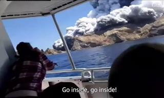 New Zealand Deadly Erupting Volcano Captured On Video