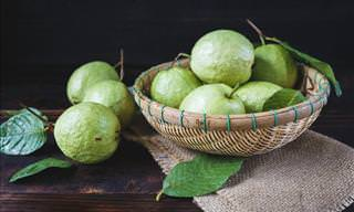 The Health Benefits of Guavas