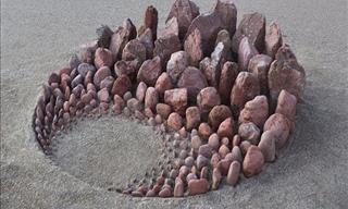 Artist Creates Amazing Beach Art Using Just Stones