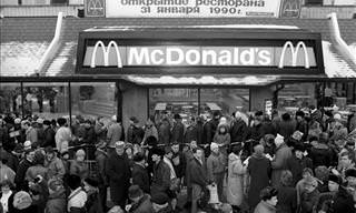 Chaotic Scenes From the First McDonald's to Open in Russia