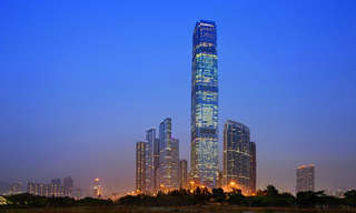 The Tallest Hotel In the World - Stunning!
