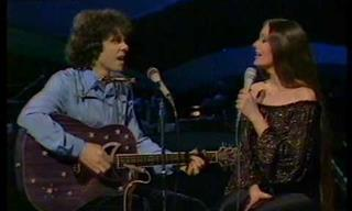 Donovan & Crystal Gayle Weave Magic With 'Catch The Wind'