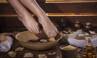 Pamper Yourself With These 5 Luxurious DIY Foot Soaks