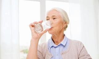5 Serious Mistakes That Can Lead to Dehydration in Seniors