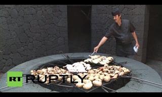 El-Diablo Restaurant Cooks Your Food Over a Live Volcano